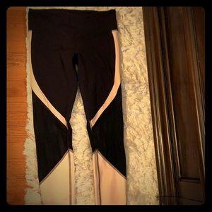 Alo brand lace bottom pants!!